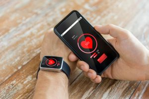 monitoring heart rate on fitness tracker and phone